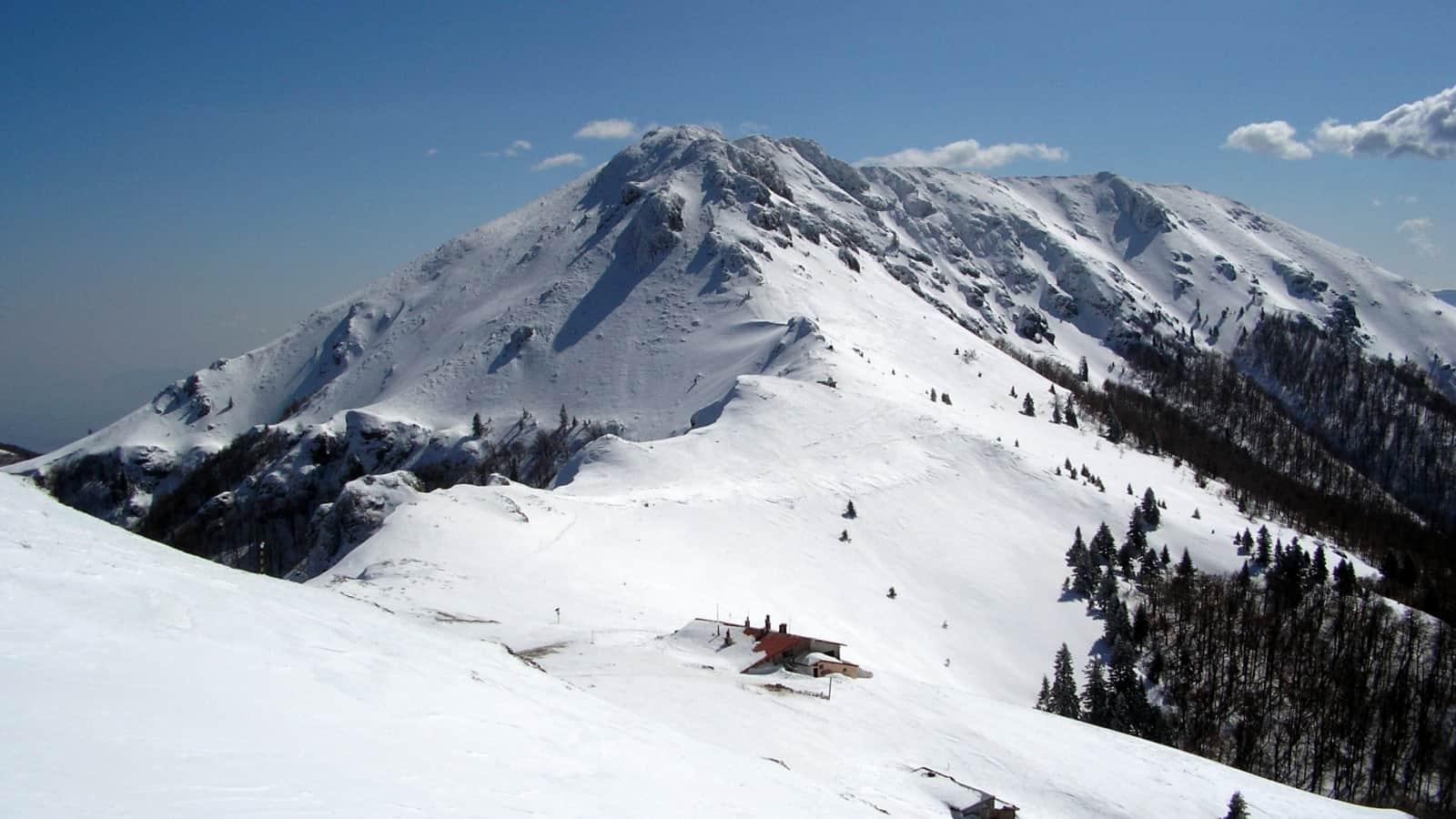 Eho-Chalet im Winter - Foto: Nationalpark Zentralbalkan/Stoyan Hristov