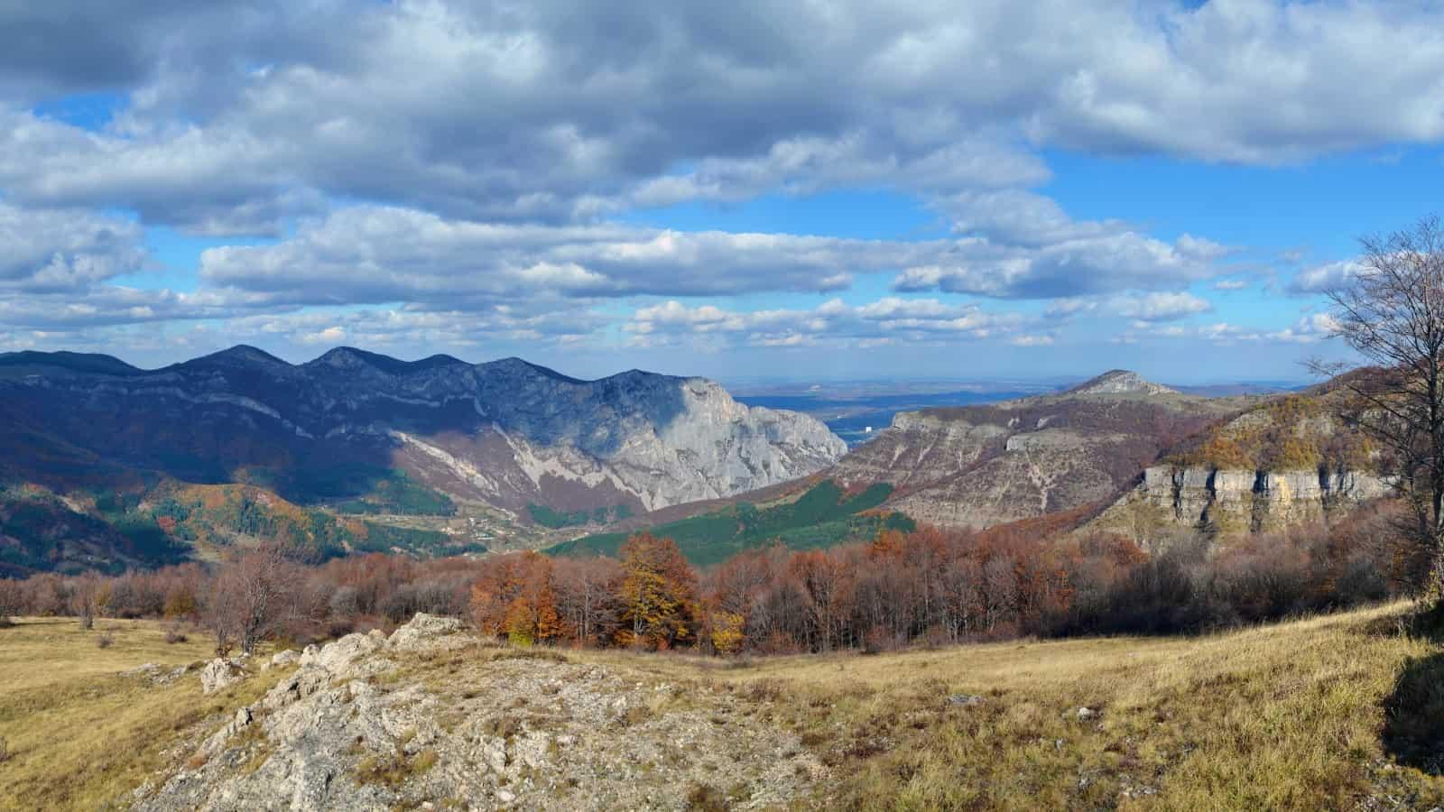 Vratsataschlucht - Panoramaaufnahme - Foto: Vrachanski Balkan Naturpark/Krasimir Lakovski