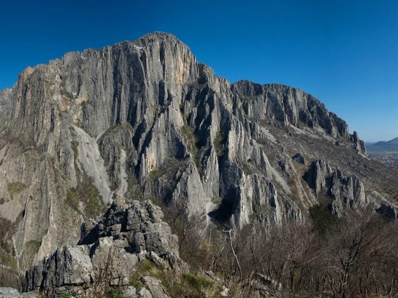 Die Kletterfelsen der Vratsataschlucht - Panoramaaufnahme - Foto: Vrachanski Balkan Naturpark/Krasimir Lakovski