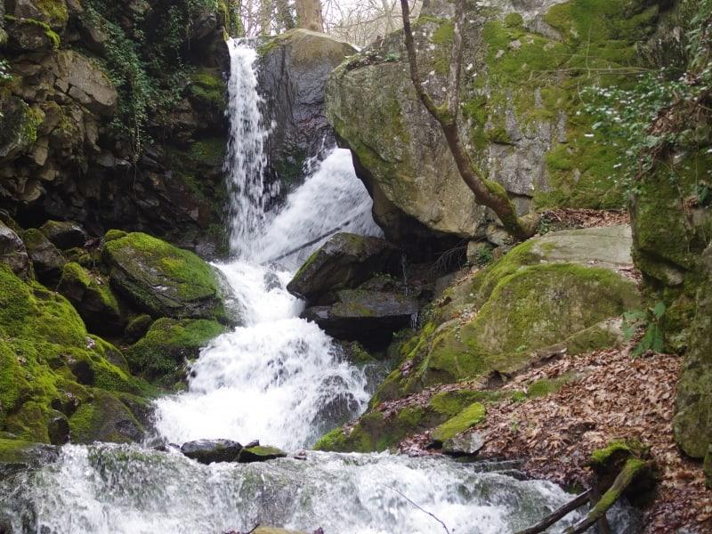 Yavornishki-Wasserfall - Foto: Belasitsa Naturpark